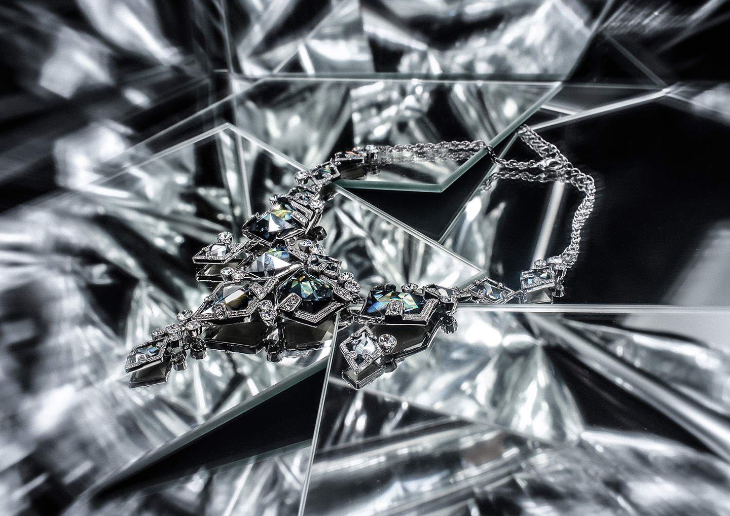 on_aura_tout_vu_accessories_collection_SS18_spell_and_illusions
