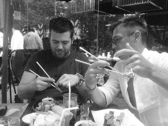 Pierre Henri, Yassen Samouilov, baguettes, repas, noir et blanc
