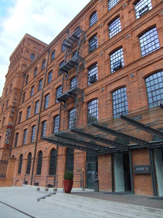 Hôtel, fenêtre, escaliers, portes