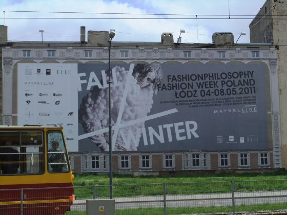 Affiche, Fashion Philosophy, Immeuble, herbe