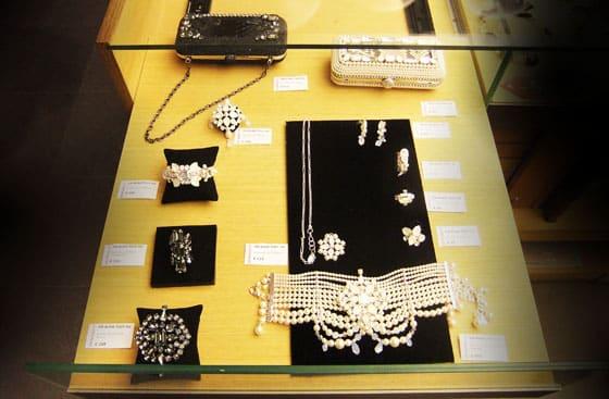 boutique 107 rue de rivoli collection on aura tout vu by yassen samouilov et livia stoianova