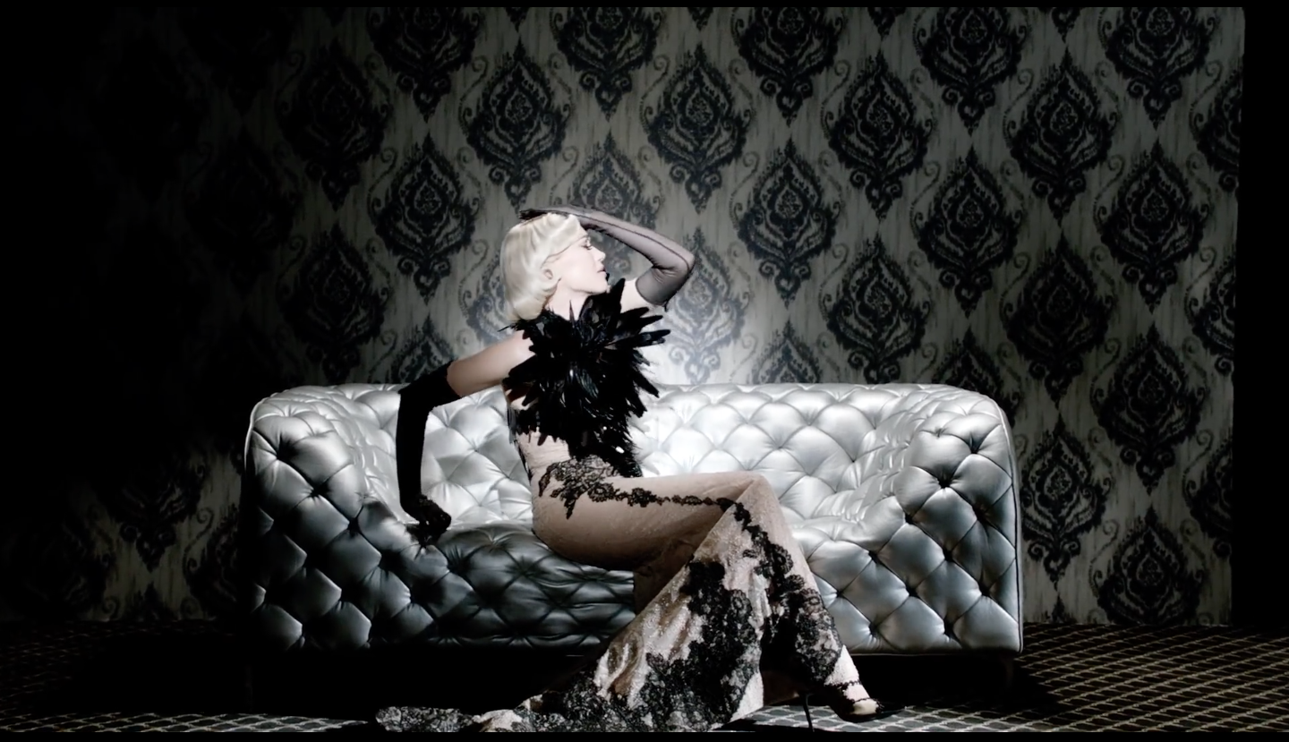 "Gwen Stefani's Fashion-Filled ""Misery"" music video wearing On Aura Tout Vu 1"