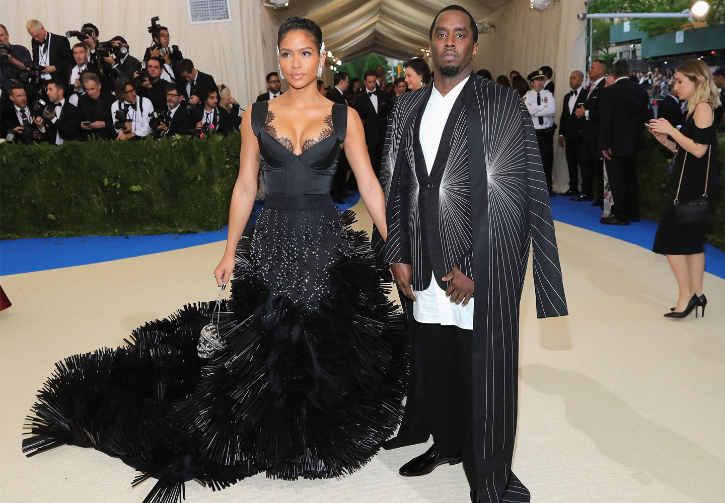 Cassie_wearing_on_aura_tout_vu_met_ball_Diddy1