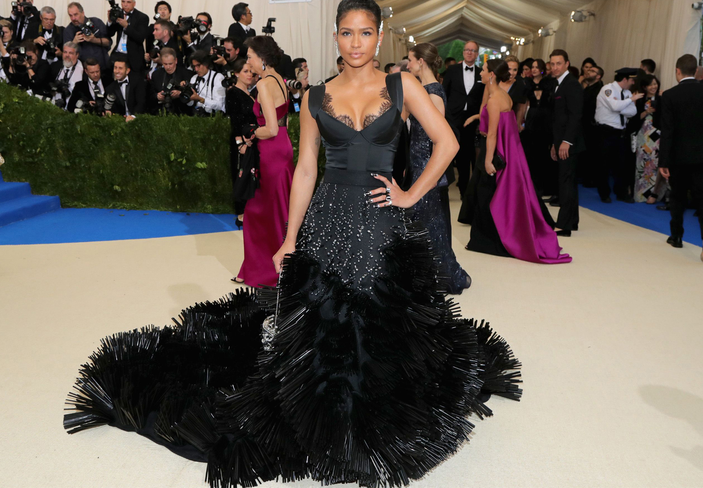 Cassie_wearing_on_aura_tout_vu_met_ball_Diddy2