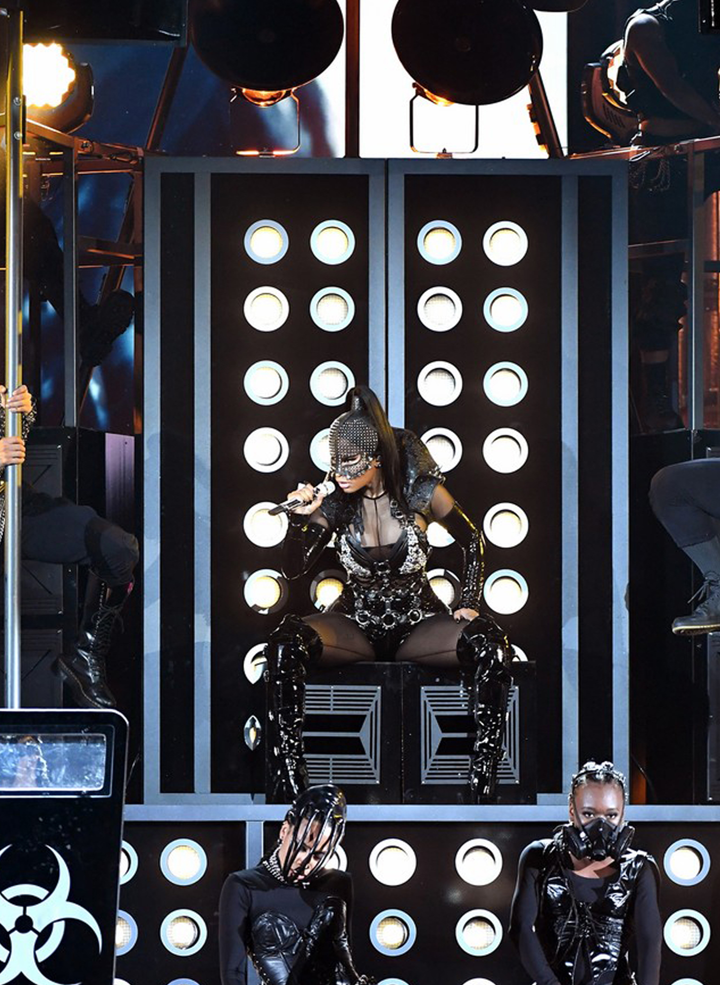 Nicki Minaj Slayed in on aura tout vu harness During BBMAs3