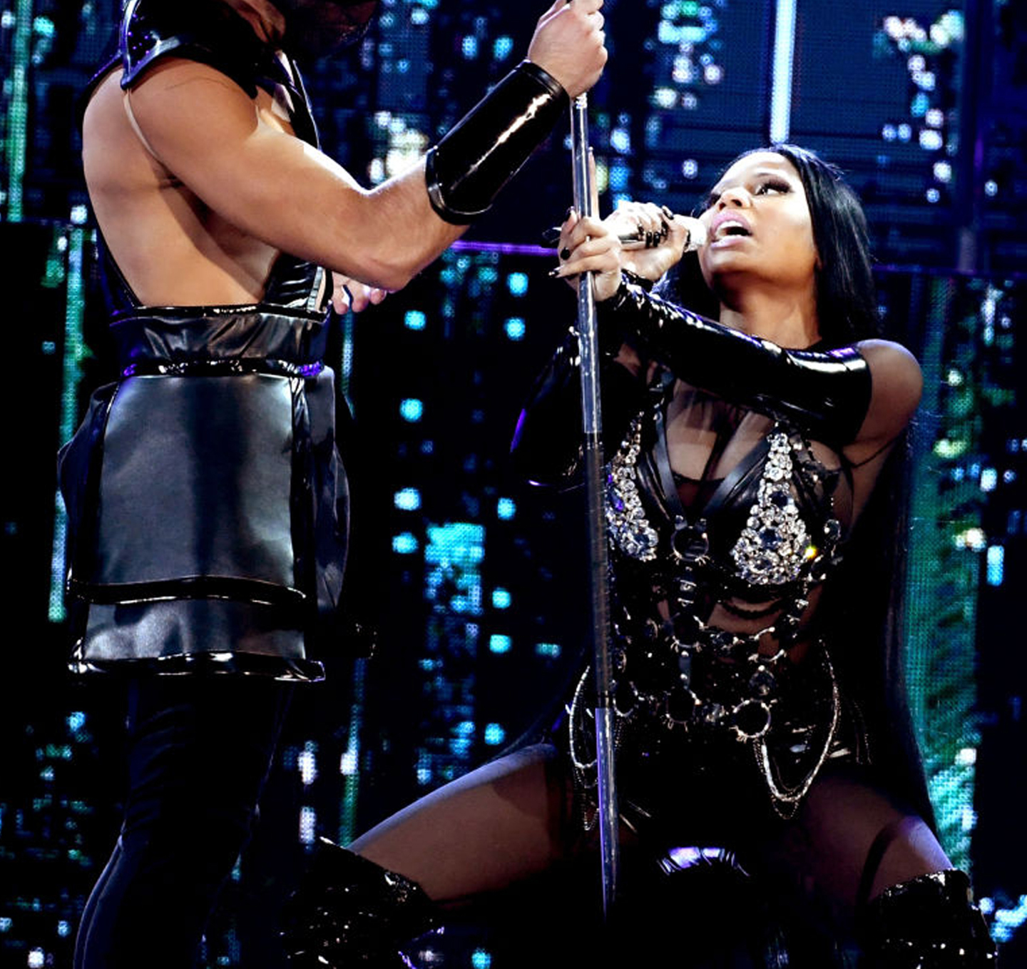 Nicki Minaj wearing on aura tout vu harness During BBMAs1