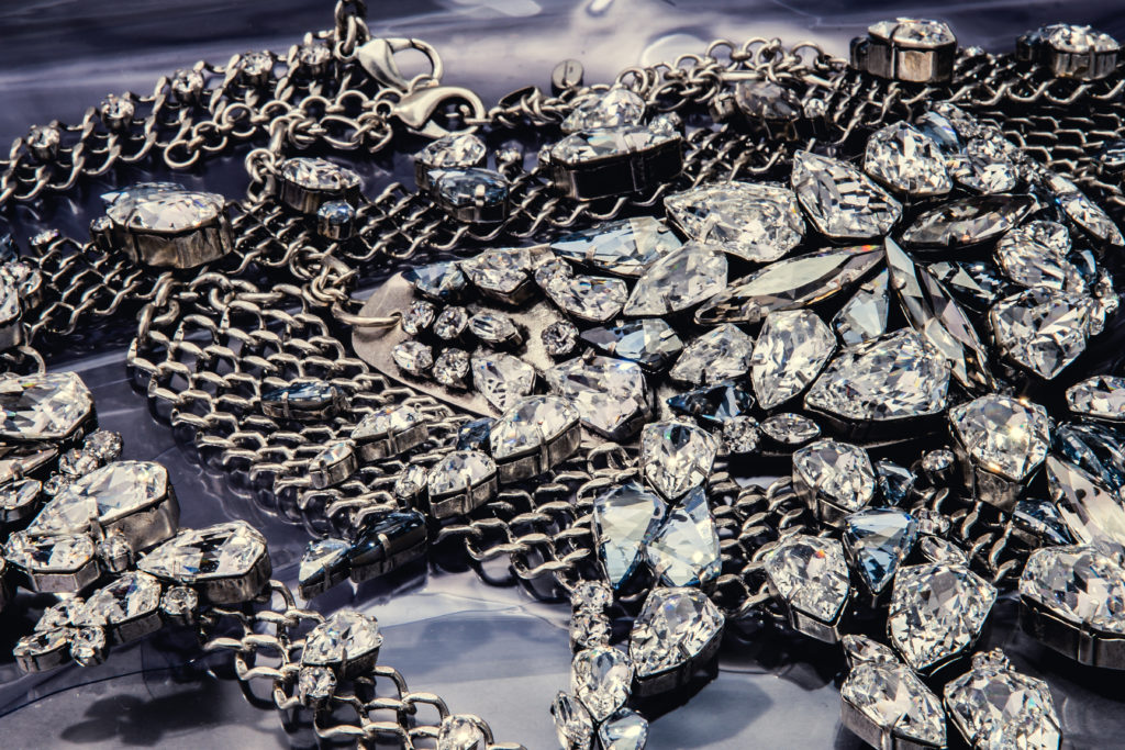 unrivaled_jewellery_winter_18_19_by_on_aura_tout_vu