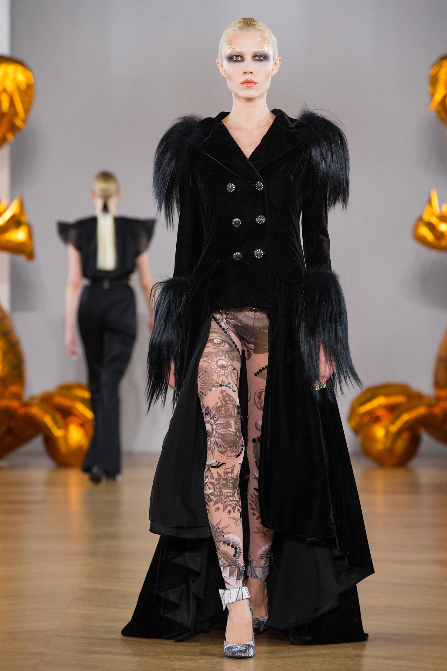 Black velvet jacket couture by on aura tout vu