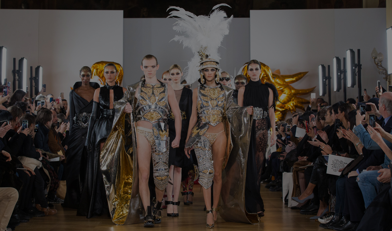 final fashion show on aura tout vu armor gold silver feathers