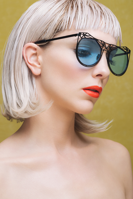 black frames eyewear by on aura tout vu sunglases