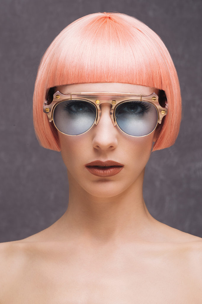 sunglases pink and bleu by on aura tout vu