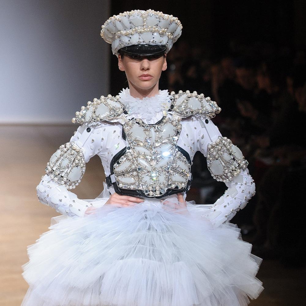light led dress white cristal by on aura tout vu couture 2014